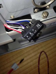 gigabyte フロントスイッチ